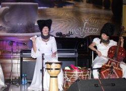 Днепропетровцам «разрешили» двигаться под этническую музыку