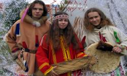 Дмитрий Тихонов поет голосом предков
